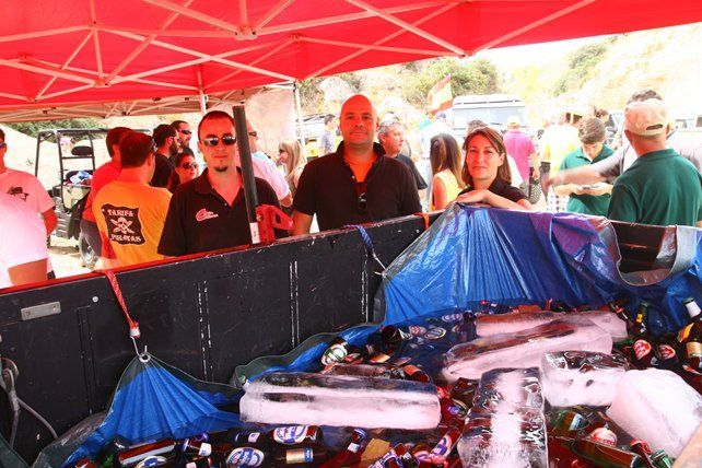 El equipo de Todox4 se ocupó de calmar la sed de los asistentes en el circuito